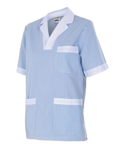 - Camisa pijama de mujer con cuello pico, manga corta y tres bolsillos con vivos en color blanco. abertura en los laterales. -