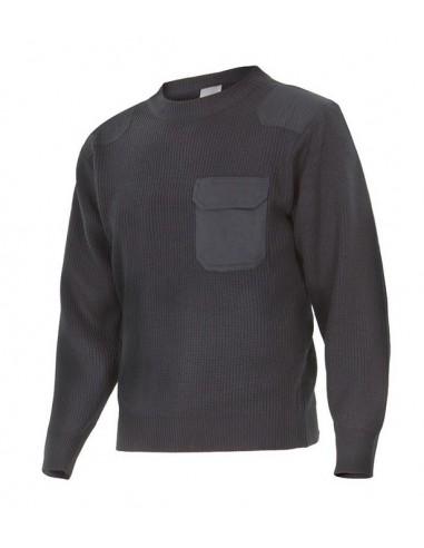 jersey de punto grueso de cuello redondo con tratamiento antipilling y refuerzo de tejido en mismo tono en hombros y codos.