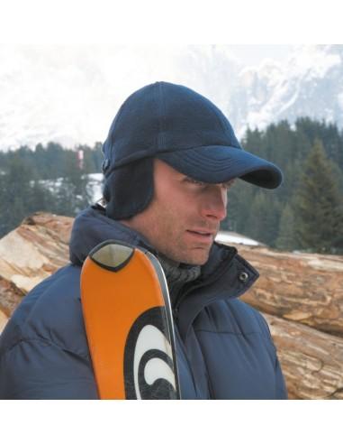 80 g/m²  100% poliéster  Protección de orejas plegable hacia dentro  Visera pre-curvada, cierre YKK