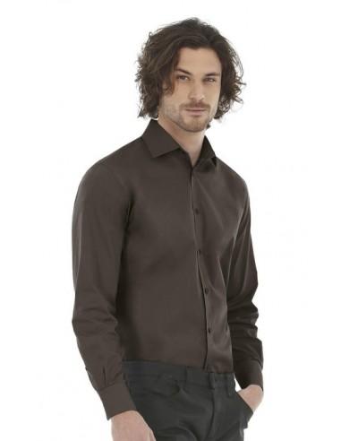 Descripción: 135 g/m2 97% Algodón peinado 3% Elastán Cuello entallado con 2 botones Botones con efecto nácar y puntada cru