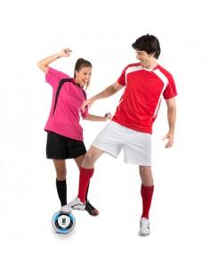 Conjunto deportivo unisex compuesto de 2 camisetas + 1 pantalón. Inserciones en contraste. Tejido transpirable de fácil secado,