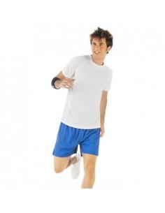 Camiseta técnica de manga corta ranglán y cortes laterales con remallado al tono. Tejido transpirable de fácil lavado y secado.