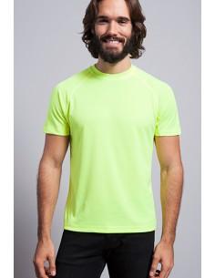 Camiseta deportiva manga raglan con costura decorativa en media manga.