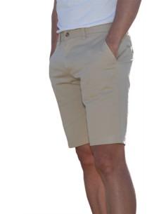 Características El modelo Borax es una bermuda, tipo chino de caballero, fabricado en algodón con elastán. Adaptación al movim