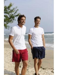 Descripción  Shorts deportivos con vivo a contraste en costuras laterales. Dos bolsillos frontales y uno trasero con cierre