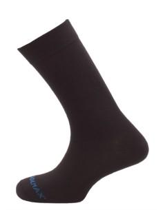 El calcetín Teide está fabricado en un punto básico de Coolmax®. Es un multiusos standar, apto para distintos usos y entornos l