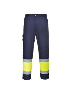 Tejido exterior:  65% Poliéster, 35% Algodón 245g Información del producto Estos  pantalones  certificados  Combat,  con c