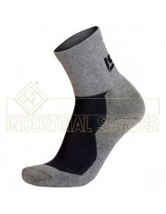 CE Riesgos mínimos Gracias al Coolmax el calcetín ofrece una elevada transpiración y confort térmico durante el periodo más cal