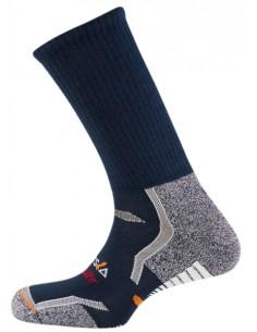 El calcetín técnico Vulcano está fabricado con fibras de última generación Thermolite®. Incorpora distintas zonas de protección