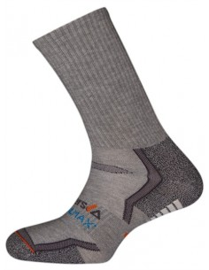 El calcetín técnico Fujiyama está fabricado en fibras de última generación Coolmax®. Incorpora distintas zonas de protección y
